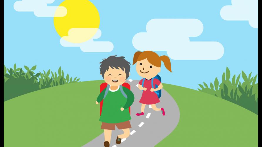 Grafika przedstawia uśmiechnięte dzieci z tornistrami idące po asfaltowej drodze. Dookoła piękna słoneczna pogoda